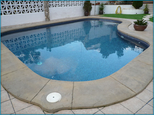 bordes de piscinas en roca artificial - Bordes De Piscinas